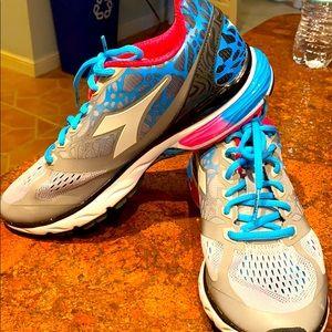 New Women's Diadora Blue Shield Ortholite Running